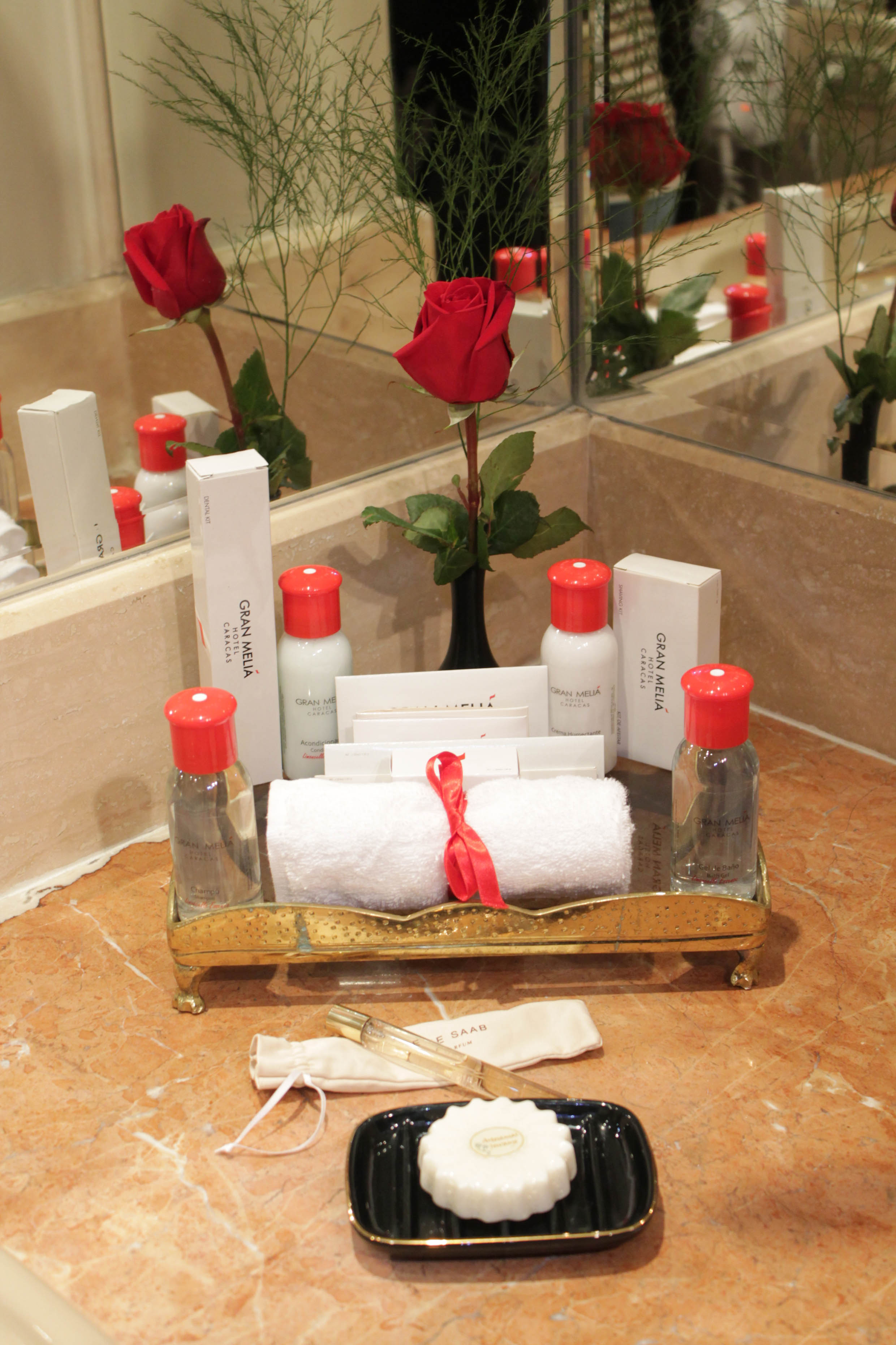 Woman travel alone es la nueva rea del hotel gran meli Detalles en habitaciones de hotel